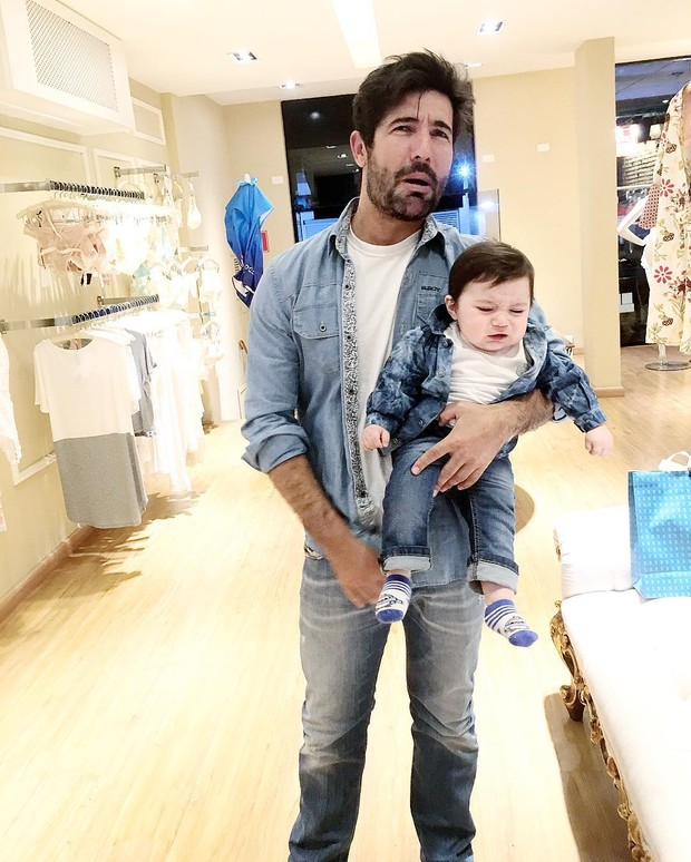 Sandro Pedroso e o filho Noah (Foto: Reprodução/Instagram)