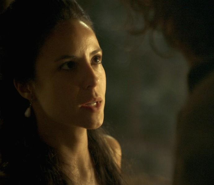 Joaquina diz não querer falar com Xavier sobre seu noivado (Foto: TV Globo)