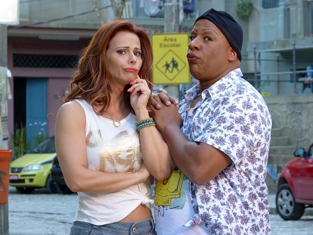 Os dois sempre fazem caras e bocas   (Foto: Império/TV Globo)
