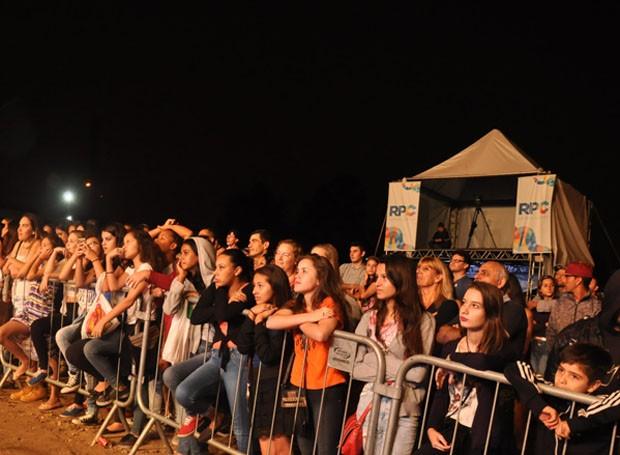 Neste sábado (6), os paranaenses aproveitaram para se divertir com muita música no aniversário de Pinhais (Foto: Roger Santmor/RPC)