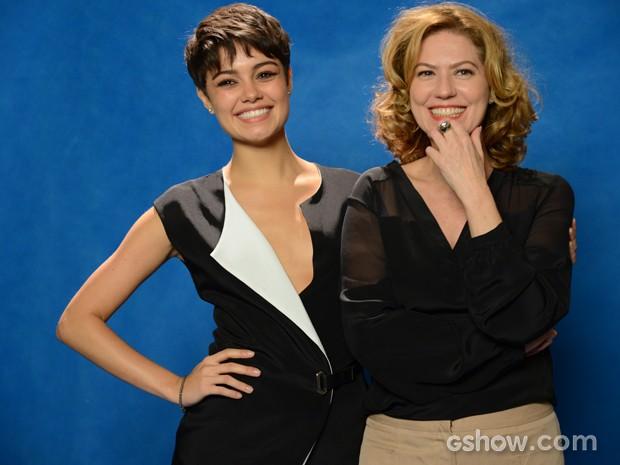 Patrícia Pillar e Sophie fazem graça para os fotógrafos (Foto: Raphael Dias/TV Globo)