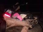Caminhão passa por cima de carro e mata quatro adultos e bebê, diz PRF