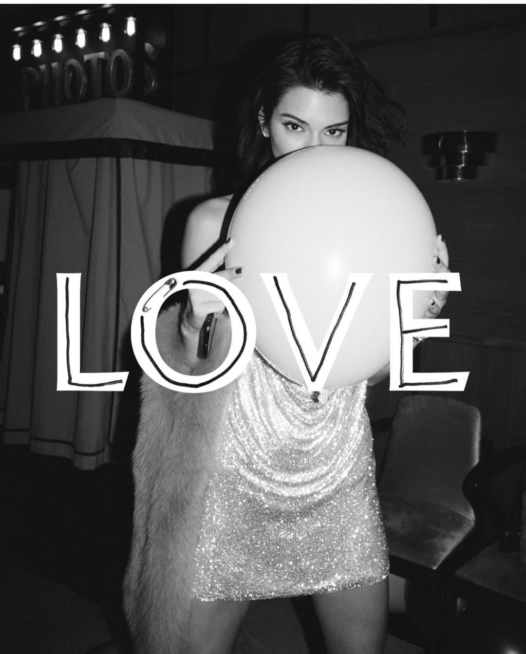 Kendall Jenner na capa da Love Me 17 (Foto: Reprodução)