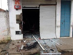 Posto bancário explodido na Bahia (Foto: Neto Mascarenhas / MidiaRecôncavo)