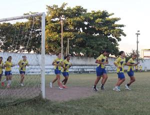 Tiradentes-PI - Treino (Foto: Renan Morais/GLOBOESPORTE.COM)
