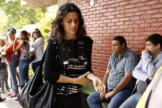 Maria Fernanda Cândido no enterro de Domingos Montagner (Foto: Celso Tavares / EGO)