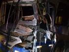 Motorista de ônibus fica ferido após colisão com caminhão em Petrópolis