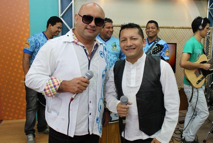 Mailzon Mendes (à esquerda) e Alex Pontes (à direita) são os vocalistas do Canto da Mata (Foto: Onofre Martins/ Rede Amazônica)