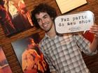 Sam Alves, vencedor do 'The Voice Brasil', prestigia musical sobre Cazuza