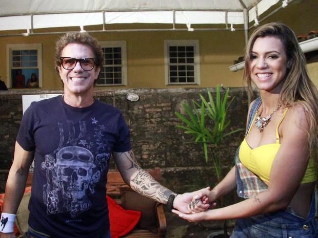 Tuca Fernandes e Vina Calmon em show em Salvador, na Bahia (Foto: Edgar de Souza/ Divulgação)