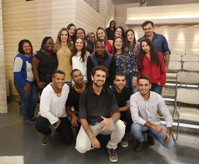 Mais plateia do programa com os apresentadores  (Foto: Ellen Soares/Gshow)