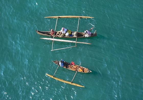 As águas transparentes e mornas da costa oeste de Madagascar são um convite para os visitantes  (Foto: © Haroldo Castro/ÉPOCA)