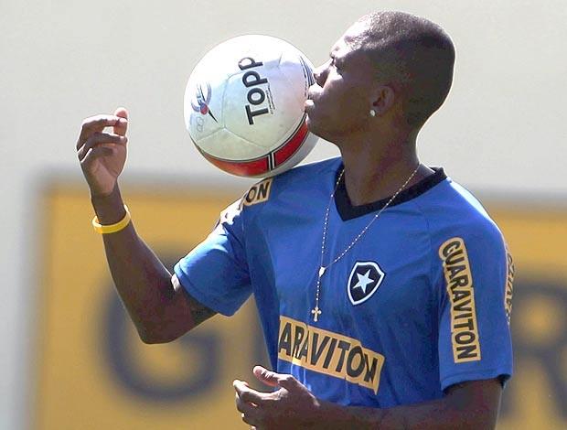 Maicosuel no treino do Botafogo (Foto: Jorge Wiliam / Agência O Globo)