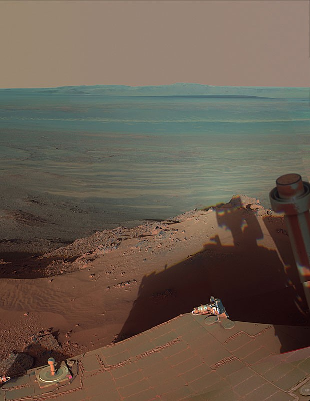 Opportunity faz foto da própria sombra no solo marciano. (Foto: NASA/JPL-Caltech/Cornell/Arizona State Univ.)