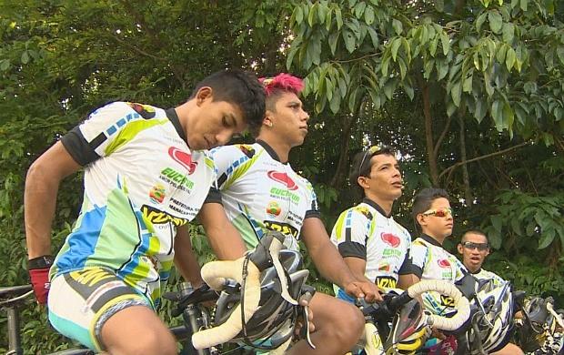 Atletas de Manacapuru se preparam para disputar corridas em Manaus (Foto: Globo Esporte AM)