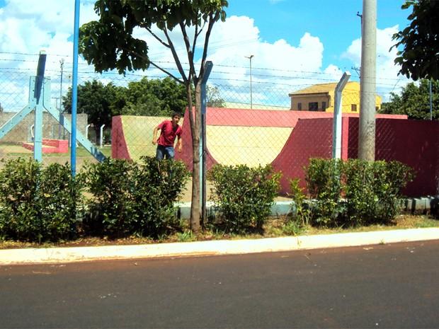 Pista de skate também foi reformada e a cor vermelha foi adotada (Foto: Arquivo Pessoal/ Divulgação)