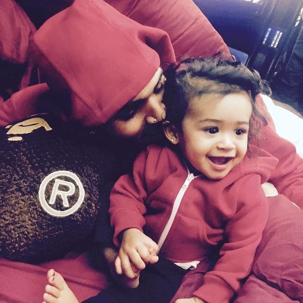 Chris Brown e a filha, Royalty (Foto: Instagram/ Reprodução)