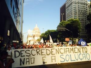 Protesto é contra descredenciamento da Gama Filho e da UniverCidade (Foto: Isabela Marinho / G1)