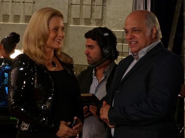 Garcez fica encantando com a beleza de Rosângela (Foto: Salve Jorge/TV Globo)