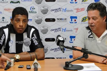 Apresentado no Comercial, Marcone fala em esquecer 2013 (Foto: Gabriel Lopes/Comercial FC)