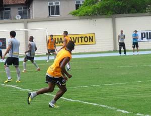 Vitor Junior no treino do Botafogo (Foto: Thales Soares / Globoesporte.com)