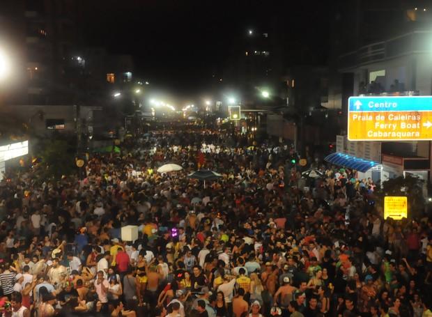 A segunda (16)  de Carnaval foi animado em Guaratuba (Foto: Roger Santmor/RPC)