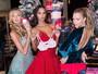 Lais Ribeiro usa vestido vermelho sexy no natal da Victoria's Secret