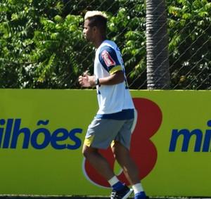 Rafael Silva deixa departamento médico e faz corrida no gramado (Foto: Maurício Paulucci)