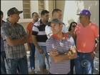 Funcionários denunciam pagamento com cheques sem fundos