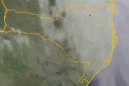 Nebulosidade predomina principalmente no Litoral de SC (Foto: Central de Meteorologia da RBS )