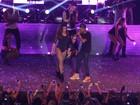 Anitta e Nego do Borel fazem show para quase 10 mil pessoas no Rio