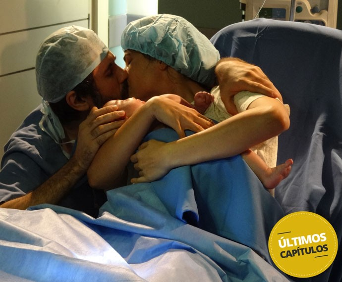 Que momento liiiiiindo!!! O bebê Dandael nasceu! (Foto: Sonia Schneiders/Gshow)