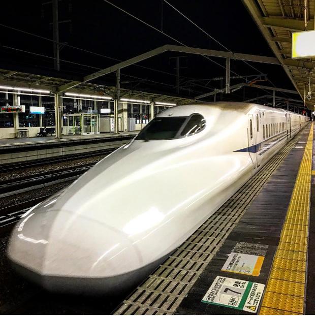 Trem bala japonês (Foto: Reprodução/Instagram @salvatore_cuomo11)