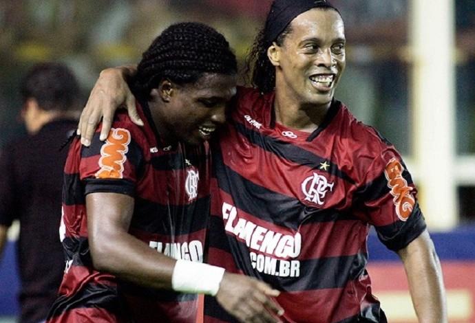 Diego Maurício e Ronaldinho Gaúcho Flamengo (Foto: Vipcomm)