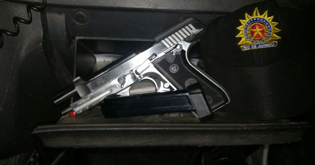 Homem é detido com arma e munição no bairro Lagomar, em Macaé, no RJ