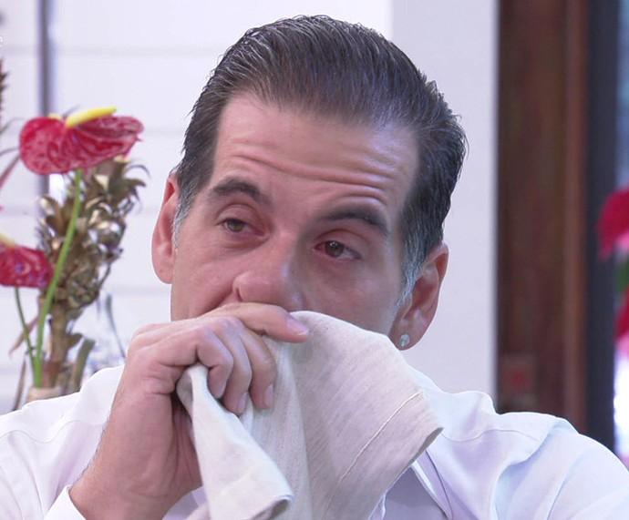 Leandro Hassum chora com o recadinho de Pietra (Foto: TV Globo)
