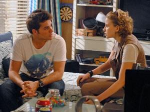 Betão quer voltar com Babi de qualquer maneira e diz que não está nem aí para Nelson e a namorada