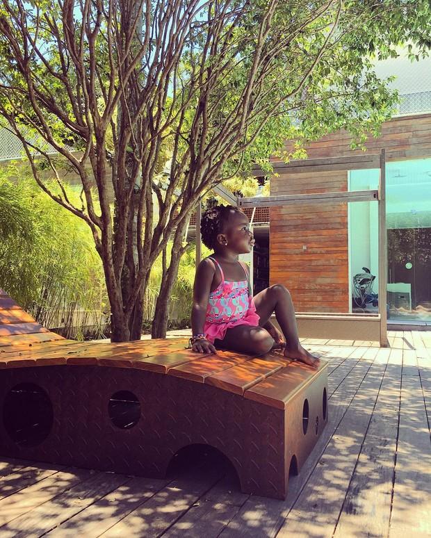 Giovanna Ewbank posta foto da filha, Titi (Foto: Instagram / Reprodução)