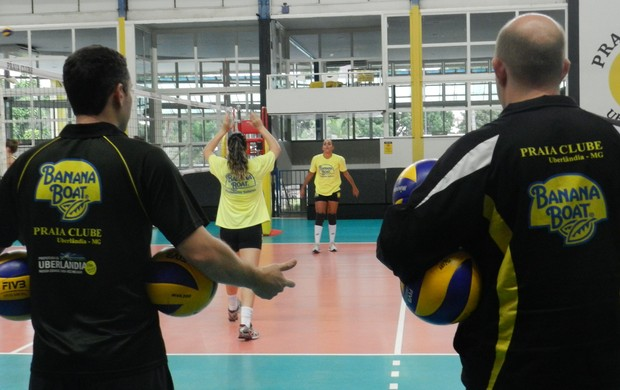 Praia Clube objetiva terceira posição para garantir estabilidade nos playoffs (Foto: Caroline Aleixo/GLOBOESPORTE.COM)