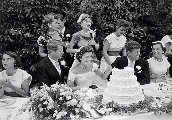 John Kennedy e Jacqueline Kennedy na cerimônia de seu casamento, em 1953 (Foto: Lisa Larsen/The Life Picture Collection/Getty Images )