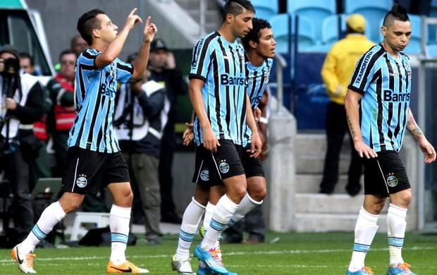 Rodriguinho comemora gol jogo Grêmio x Fluminense (Foto: Luciano Leon / Futura Press / Agência Estado)
