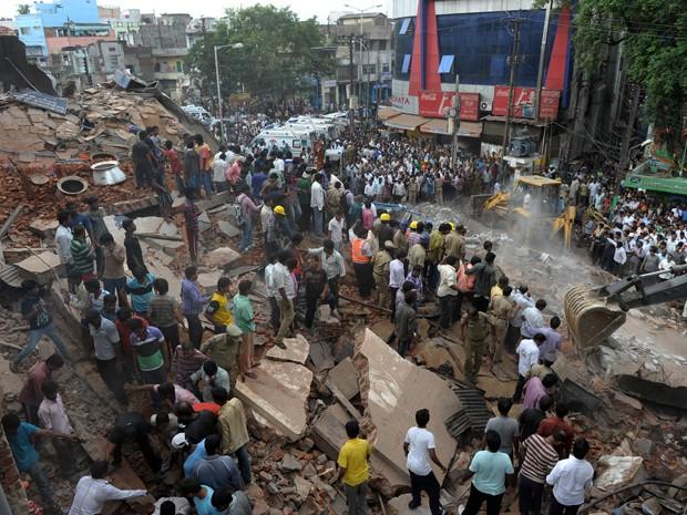 india 01 Hotel desmorona e mata ao menos 12 pessoas na Índia