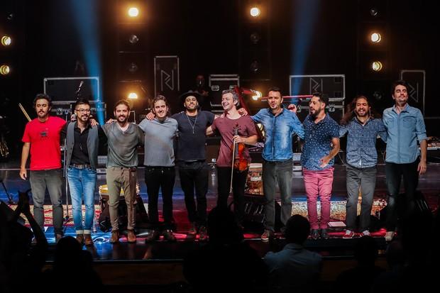 A banda Pagan John e os convidados após a gravação do DVD (Foto: Manuela Scarpa/Brazil News)