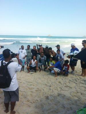 joel parkinson ricardo dos santos surfe rocinha (Foto: Billabong Brasil)