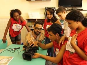 Alunos produzem curta-metragem sob as comunidades onde moram (Foto: Divulgação/ Secult )