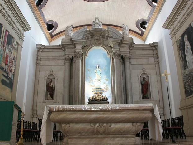 Os seis sinos da igreja foram importados de Portugal e instalados em 1875 (Foto: Camila Henriques/G1 AM)