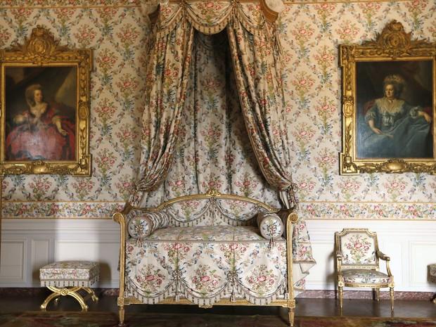 Quarto da princesa Adelaide, filha do rei Luís XV, no Palácio de Versailles. Os aposentos pertencentes às filhas do rei reabriram ao público totalmente reformados no fim de abril. (Foto: Kenzo Tribouillard/AFP)