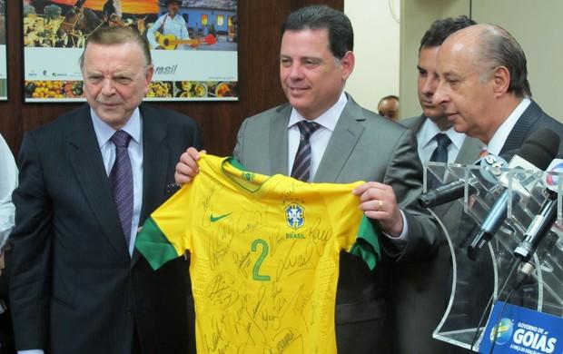 Marin, Marconi Perillo e Marco Polo brasil (Foto: Leandro Canônico / Globoesporte.com)