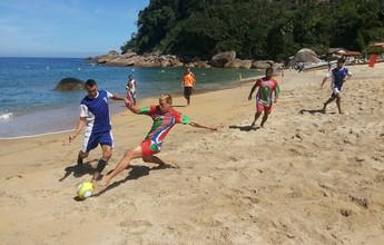 Comunidades caiçaras disputam torneio de futebol de areia em Paraty