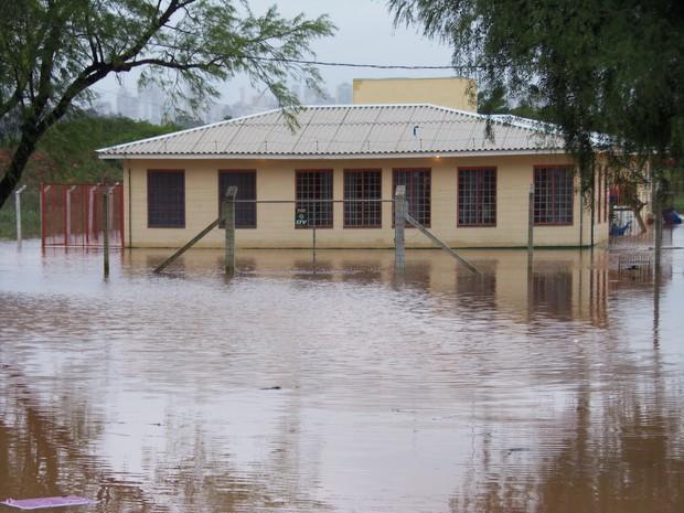 Cheias preocupam autoridades, que alertam para risco de enchentes no estado (Foto: João Laud/RBS TV)